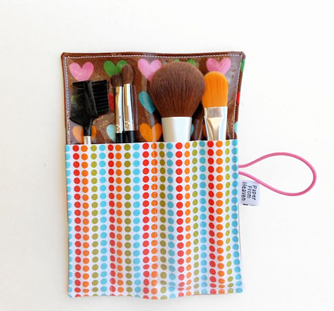 mini makeup vinyl brush roll / ann kelle